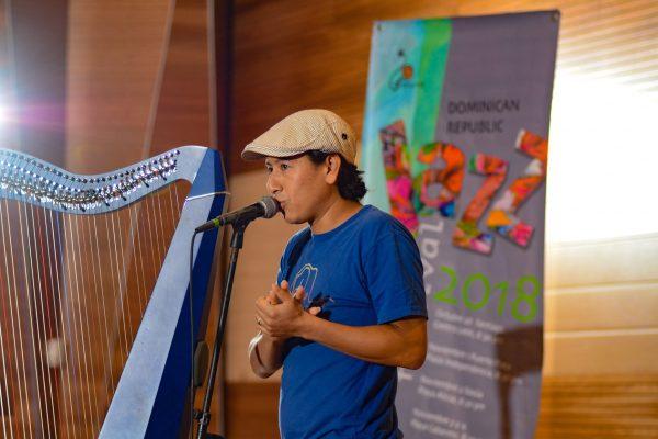 Students in Santiago enjoy a free workshop with harpist Edmar Castañeda | DRJF 2018
