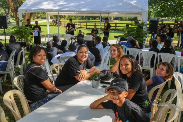 FEDUJAZZ students enjoy a special event at Sea Horse Ranch, December 2018.